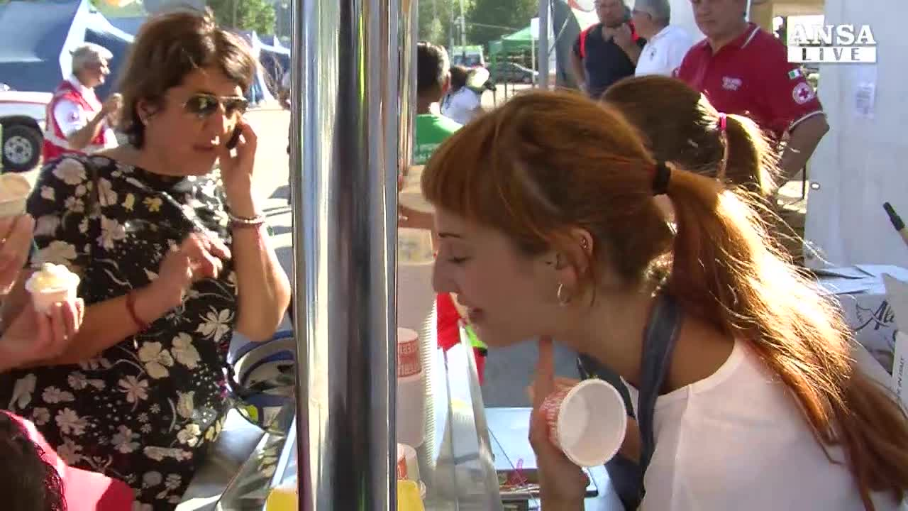 Sisma: caldo torrido, arriva il gelato in campo Pescara del Tronto
